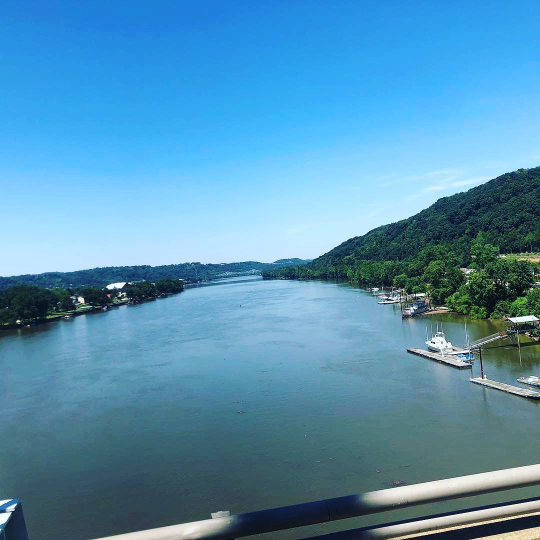 Crossing over the Ohio river after a great weekend at Toronto with @robbygordon...
